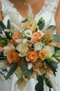 Brautstrauß bei der Trauung, Hochzeit